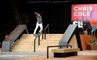 Vídeos skatista profissional Chris Cole -  Um vídeo com várias imagens do skatista profissional Chris Cole, traz imagens de superação do skatista com uma compilação de grandes momentos do atleta como suas participações na