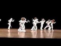 Hip hop Mummy dance