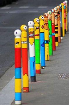 Street art in Paris on Rue René Goscinny. It's on the street for everybody to enjoy, not just in the museums 3d Street Art, Street Art Graffiti, Amazing Street Art, Amazing Art, Banksy Graffiti, Bansky, Pop Art, Urbane Kunst, Arte Popular