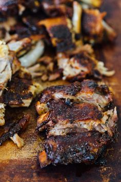These tender honey butter ribs are oven baked to perfection and they fall off the bone! They are literally bathed in honey, butter, and brown sugar. Rib Recipes, Grilling Recipes, Seafood Recipes, Dinner Recipes, Healthy Recipes, Dinner Ideas, Bacon Recipes, Fall Off The Bone Ribs Recipe, Baked Pork Ribs