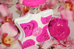 Bond No. 9 Central Park South is a fresh and floral fragrance that features top notes of grapefruit flower and blackcurrant buds. It has seductive heart notes of jasmine and lily of the valley that blend into the base notes of classic wood. It's really a playground for the senses if you're looking for a fresh update to your floral fragrance wardrobe.