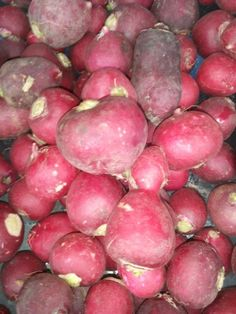 Colmbian radish Potatoes, Fruit, Vegetables, Food, Potato, Essen, Vegetable Recipes, Meals, Yemek