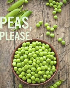 Peas are in season! We love fresh peas for their crisp texture and bright, sweet flavour. They have lots of protein, carbohydrates, vitamin C, and dietary fibre. Add them to your favourite pasta dish for fresh and flavourful results. Beat Diabetes, Diabetes Food, Diabetes Recipes, American Diabetes Association, Diabetes Information, Cure Diabetes Naturally, Green Peas, Diabetes Treatment, Bones