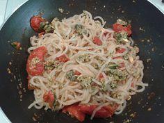 Donna sull'orlo della prova costume   Spaghetti shirataki profumati #primopiatto #vegan CuciniAmO
