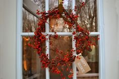 Attic Lace: How to Make a Natural Wreath in 3 Easy Steps