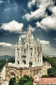 The Temple Expiatori del Sagrat Cor, Barcelona, Spain. This temple, along with multiple architecture pieces in Spain, have a great amount of detail. Places Around The World, The Places Youll Go, Places To See, Wonderful Places, Beautiful Places, Beautiful Live, Amazing Places, Architecture Antique, Sacred Architecture