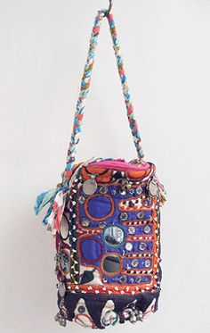 Risi e Bisi - embroidered textile bag