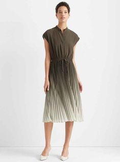 Printed Wrap Dress Casual Day Dresses, Elegant Dresses, Dress Outfits, Dresses For Work, Jumpsuit Dress, Belted Dress, Silk Dress, Wrap Dress, Club Monaco