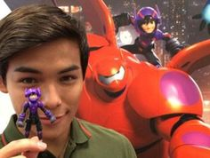 Meh I'm more interested in the fact that he's holding a Hiro figure than anything else. The voice of Hiro holding... Himself I guess??? Lol