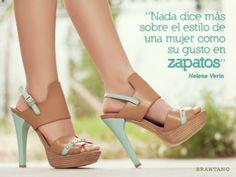 """""""Nada dice más sobre el #estilo de una #mujer como su gusto en #zapatos."""" - Helene Verin #moda #FrasesDeModa #FashionQuotes #sandalias #primavera #verano #tacones"""