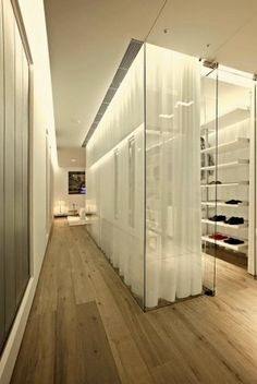 From Joe Davis School of Design, Master Class on Dressing rooms, 20 Oct 2013.  Highly recommended for both his information and entertainment