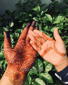 Palm Mehndi Design, Mehndi Desing, Mehndi Art Designs, Mehndi Images, Bridal Mehndi Designs, Mehndi Designs For Fingers, Rose Gold Balloons, Henna Patterns, Henna Art