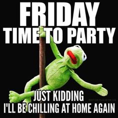 We have 50 Friday images, greetings, wishes and quotes to help you celebrate you Friday with style! These Friday images with quotes will be perfect for any mood you have! Funny Friday Memes, Friday Humor, Its Friday Meme, Snoopy Friday, Weekend Humor, Weekend Quotes, Monday Memes, Happy Dance, Facebook Humor