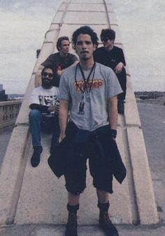 soundgarden..... And I really love Chris Cornell