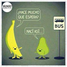Típico, encontrarse con frutas en el paradero. #IlustraHumor