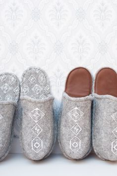 Wool felt and reindeer leather slippers. Finnish design by Valpuri design. Textile Products, Hygge Home, Leather Slippers, Wool Felt, Reindeer, Espadrilles, Etsy Seller, Minimalist, Textiles