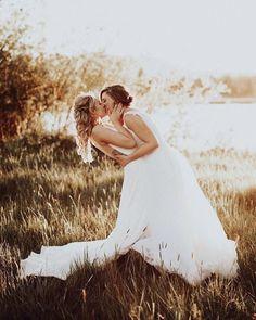 wedding beauty couple Creative Lesbian Wedding Ideas - Mrs and Mrs Wedding Ideas Lesbian Wedding Photos, Lesbian Wedding Photography, Wedding Picture Poses, Cute Lesbian Couples, Lgbt Wedding, Wedding Poses, Wedding Pictures, Wedding Events, Wedding Ideas