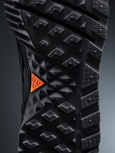 Nike unveils a new boot that revolutionizes the comfort and warmth of winter footwear.