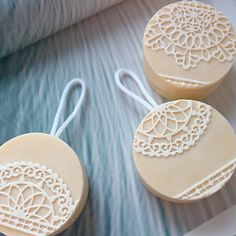 Soap on a rope-lace soaps 레이스 로프비누 #soaponarope #lacesoap #naturalsoap #handmadesoap #cpsoap #soapmaking #atisansoap #soapshare #ropesoap #천연비누 #숙성비누 #로프비누 #레이스비누 #비누홈스쿨 #비누원데이수업 #디자인비누 #meehue #비누판매