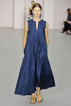 London Fashion Week - Jasper Conran London Fashion, Runway Fashion, Boho Fashion, Fashion Outfits, Fashion Design, Simple Dresses, Summer Dresses, Country Attire, Jasper Conran