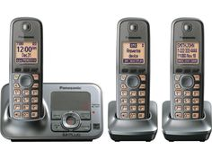Panasonic KX-TG4133M - Expandable Digital Cordless Answering System with 3 handsets - Overview
