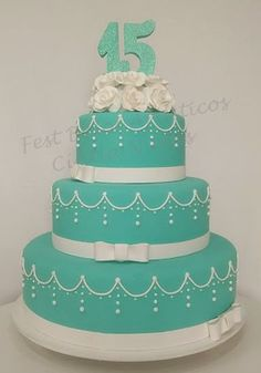 121 Quinceanera Cakes, Pretty Quinceanera Dresses, Diy Wedding Cake, Wedding Cake Stands, Turquoise Cake, Quince Cakes, Sweet 16 Cakes, Sweet 15, Beautiful Cakes