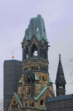 Berlijn Cold War, Berlin Germany, Germany Travel, Rotterdam, Austria, Notre Dame, Clocks, Castles, Trips