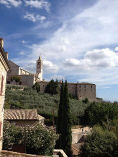 """Assisi...""""matrimonio in una suite con giardino privato...."""""""