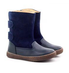 1c315b5065b50 Les Boni Ange sont des bottes enfants entièrement en cuir et daim avec une…  Bottes