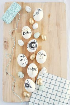 I did not feel like Easter decorations lately. Before here on & Ostern Party, Diy Ostern, Hoppy Easter, Easter Eggs, Easter Egg Designs, About Easter, Flower Oil, Easter Celebration, Easter Crafts