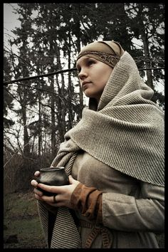 West Slavic outfit from 9th century. Photo by Lirhluthvik.