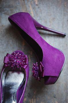 14 Stylish Ways To Add Purple To Your Fall Wedding: Peep toe purple wedding heels with purple beading on top Purple Love, All Things Purple, Purple Lilac, Shades Of Purple, Purple Wedding Shoes, Purple Shoes, Wedding Heels, Purple Accessories, Dream Shoes