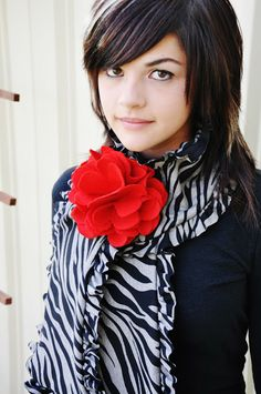 Cute ruffle scarf...I think I know what I'm making everyone for Christmas!
