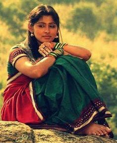 young tamil girl in traditional attire Beautiful Women Over 40, Beautiful Girl Image, Cute Baby Pictures, Girl Pictures, School Girl Pics, Sri Lanka, Indian Women Painting, Indian Art, Tamil Girls