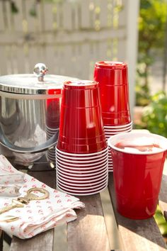 Do You Know the Secret Feature of the Iconic Red Solo Cup? — History of Important Things