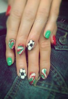 Ry-Ry-Hungary nails :)