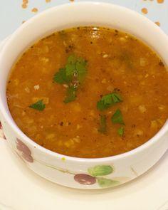 Rozgrzewająca zupa z soczewicy z czosnkiem - kolejne etapy przygotowania zupy z soczewicy. Ketogenic Recipes, Diet Recipes, Vegan Recipes, Vegan Desserts, Vegan Cake, Vegan Gains, Keto Results, Best Soup Recipes, Keto Dinner