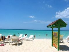 Negril, the perfect destination: Bloggers Hannah & Adam have eleven reasons why Negril in the northwest of Jamaica, is the perfect holiday destination. Here is an excerpt to peak your interest. | Experience Jamaique Bob Marley, Reggae Artists, Caribbean Resort, Negril Jamaica, Les Cascades, White Sand Beach, Holiday Destinations, Beach Resorts, Day Trip