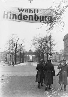 Brandenburger Tor.. 1932