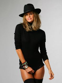 Timeless Rolex Super-Leggy Model Hotness Elle Macpherson Keeping The Time Of Her Life With Rolex Australian born, Elle Macphers. Elle Macpherson, Diana Krall, Raquel Welch, Rolex Daytona, Celebs, Celebrities, Madame, Beautiful Women, Actresses