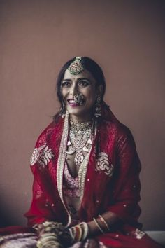 Super unique jewellery designs for the wedding day |WedMeGood| Sanaa and Parth|#wedmegood #indianweddings #jewellery #modern #unique #designs #lehenga #bridallehenga #benarasi #red #pink #silk