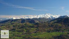 Espectaculares vistas de las montañas de Piloña y de Los Picos de Europa desde el Monte Cayón en Infiesto