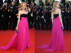 Falei do estilista Jason Wu na semana passada. Logo depois a Diane Kruger desfilou pelo red carpet de Cannes com um de seus vestidos. É um dos vestidos (dele) mais bonitos que eu já vi!!! Adorei ela ter escolhido as cores pink e preto, normalmente ela usa tons claros e preto e branco. Só acho …