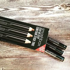 """• Hands up if you love the Smashbox contour pencil set?  Love, love this product. I can really define my wonky nose into a different nose, it's amazing! •  #contour #smashboxcosmetics #smashbox #smashboxcontoursticks #highlight #sephora #meccabeautyjunkie #meccamaxima #instabeautyau #instabeauty #ausbeautyaddicts"" Photo taken by @annie_makeuplover on Instagram."