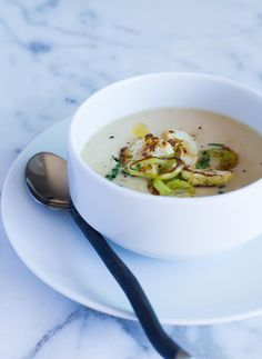 Easy and Elegant Cauliflower Leek Soup