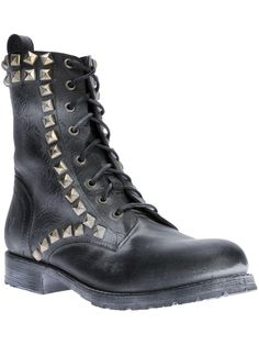 Frye 'Rogan' biker boot. | fall trends for women - boyfriend boots | womens boots | fashion | style | You can check out more boyfriend boots at http://www.wantering.com/trends/boyfriend-shoes/