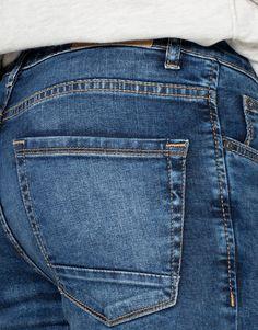 Denim Jeans Men, Jeans Pants, Garments Business, Looks Jeans, Diesel Jeans, Clothing Labels, Denim Fashion, Jeans Style, Fendi