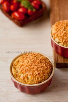 Kali ini saya mau posting resep Chicken Potato Souffle karya salah satu suhu di milis NCC , Pak Sahak. Sejak kenal resep ini, saya dah biki...