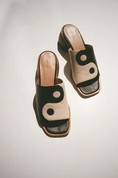 Pretty Shoes, Cute Shoes, Me Too Shoes, Sock Shoes, Baby Shoes, Funky Shoes, Mode Streetwear, Dream Shoes, Fast Fashion