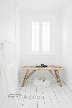 white ● minimalism ● inspiration ● pinned by White Rooms, White Walls, Atelier Home, Interior Photo, Interior Design, Wood Stool, Scandinavian Living, Deco Design, White Houses